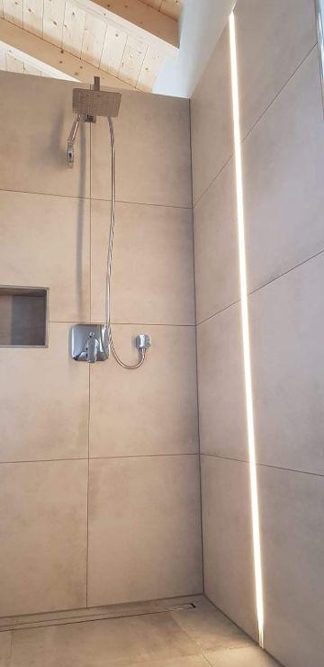 LED-Beleuchtung Dusche